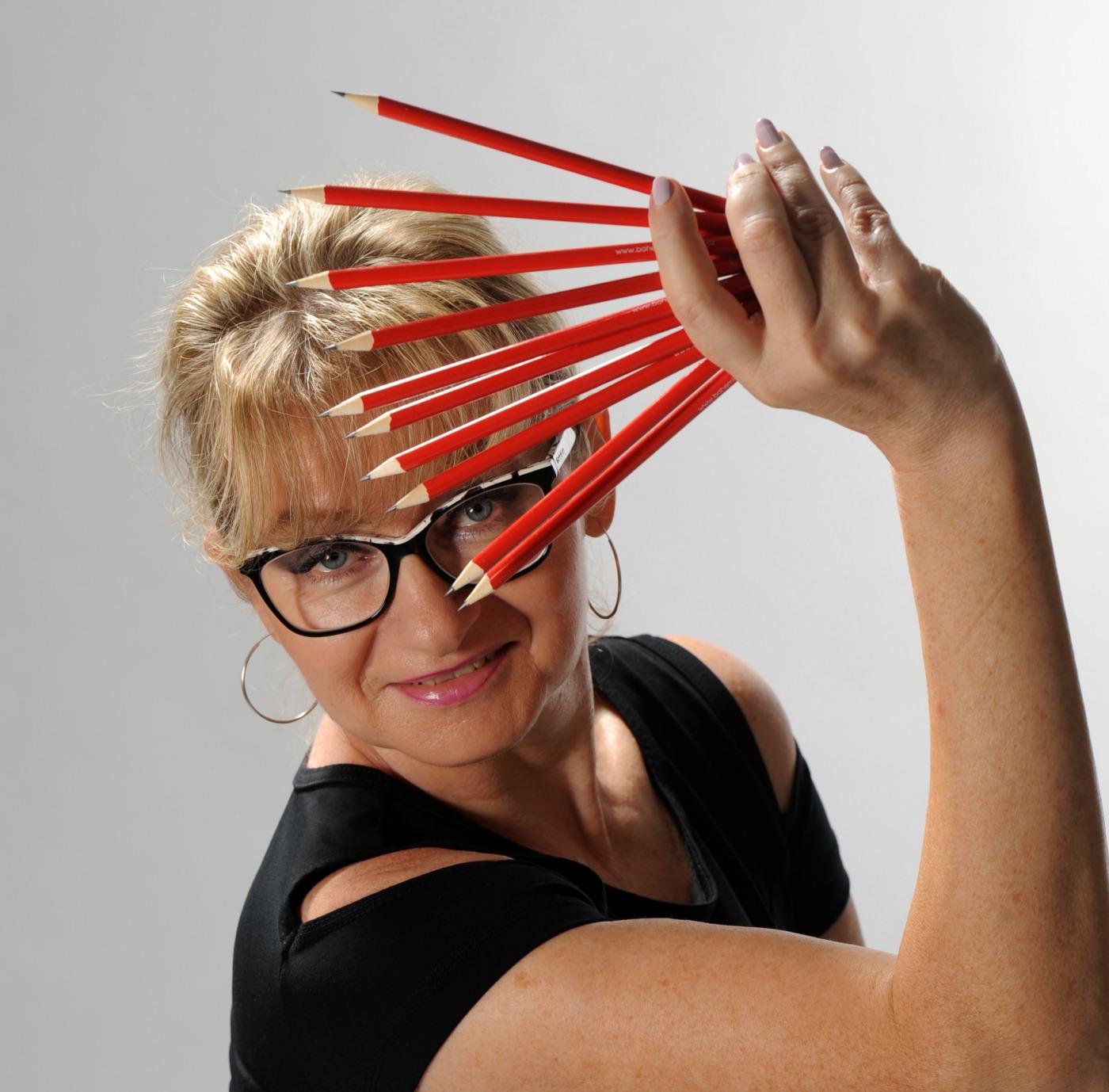 Jiřina Chrtková, nejlepší známá česká grafička a stylistka, vizážistka foto ateliér, grafička Praha, Grafik Praha 9, reklamní agentura Praha