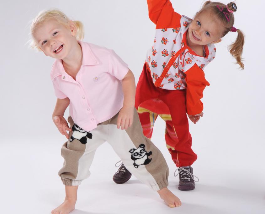 Produktová oděvní fotografie. módní fotografie , dětský foto model focení oblečení pro děti