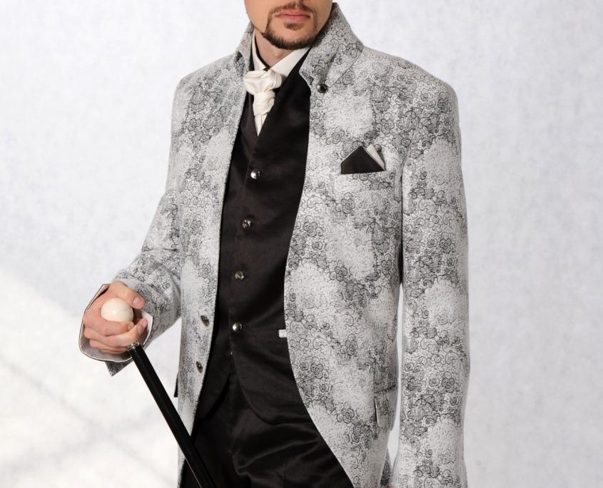 Svatební oblek, Pánský model, modelingová fotografie, módní fotografie, profesionální fotograf focení svatebního obleku focení oděvů oblečení